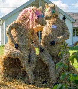 scarecrow-horse