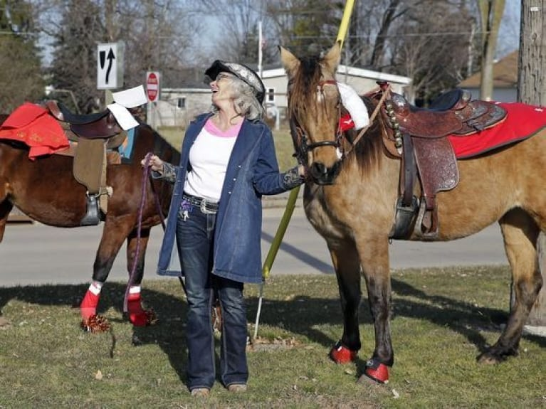 Caroling on Horseback